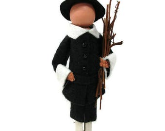 Pilgrim Man  Thanksgiving Ornament, Mayflower, Table Decor, Christmas Ornament, Peg Doll, Clothespin Ornament, Clothespin Doll