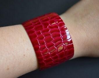 Raspberry Red Pink Snakeskin Wide Metal Cuff Bracelet Vintage