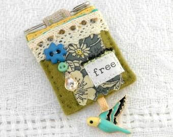 textile bird brooch, mixed media pin, hand sewn parakeet jewellery, felt fabric budgie brooch, British made brooch, vintage style pin brooch