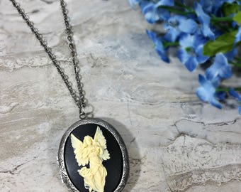 Angel Locket Necklace, Angel Cameo Necklace, Silver Locket, Guardian Angel, Angel Necklace, Cameo Necklace, Angel Jewelry, Baptism Gift