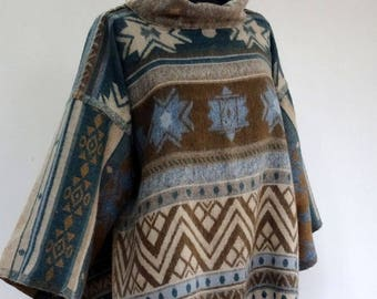 PULLOVER PONCHO, beige, blue and Brown reversible, neck, open on the sides