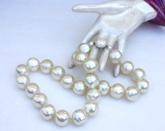 Off White Chunky Necklace ~ Vintage Bumpy Faux Pearl Large Bead Necklace ~ Kitsch