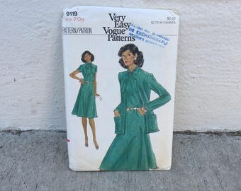 70's Vogue 9119 Pattern Very Easy Misses' Half Size Dress and Jacket Size 20-1/2 Bust 43 Factory Folded