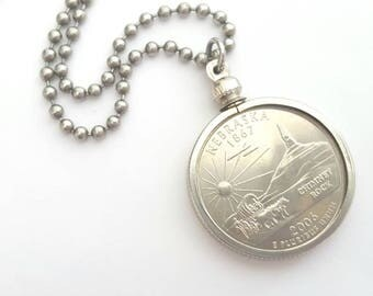 Nebraska State Quarter Coin Necklace with Stainless Steel Ball Chain or Key-chain - 2006 - Chimney Rock - Covered Wagon