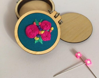 2 x 40mm mini embroidery hoops for pendants/frames