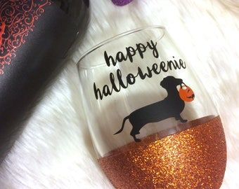 Happy Halloweenie Stemless Glitter Wine Glass // Glitter Glass // Wine Glass // Halloween // Halloweenie // Dachshund Lover