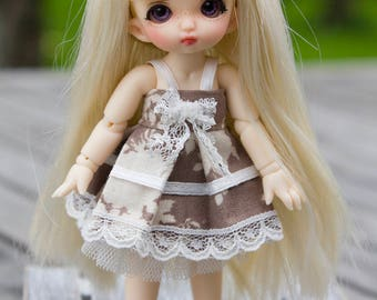 Brown dress with white petticoat for Pukipuki