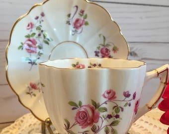 Victoria C & E Bone China England teacup and saucer pink rose spray