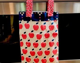 Hanging Kitchen Wet Bag - Laundry Bag - Unpaper Towel Bag - Car Trash Bag - Apples