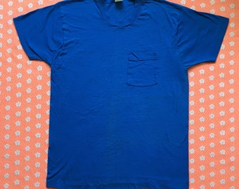 vintage shirt / 70s fruit of the loom blank selvedge pocket tee / single stitch made in usa blue XL