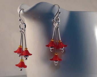 Lucite Flower Earrings, Red Flower Earrings, Small Flower Earrings, Red Lucite Flower Earrings, Flower Earrings