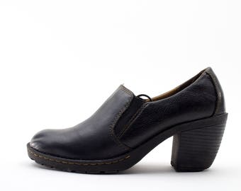 Vintage Bootie | 90s Slip On Shoes | Chunky Shoes | Size US Women's 8  Euro 38 - 39  UK 6