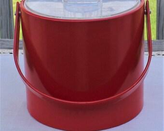 Vintage GEORGES BRIARD red vinyl Ice BUCKET ~ 1960's Mid Century Mod Modern ~ Clear Lucite cover ~ Vintage Bar Ware Barware ~ Retro Kitchen