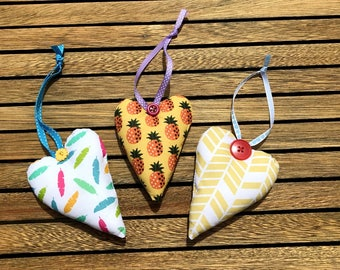 """3 hanging hearts, suspension """"Bohemian"""" style, hearts and buttons."""