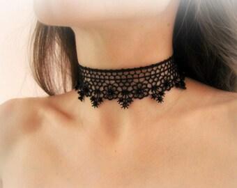 Black flowers lace choker, floral lace necklace, black lace choker, embroidered lace necklace, black bridesmaid necklace