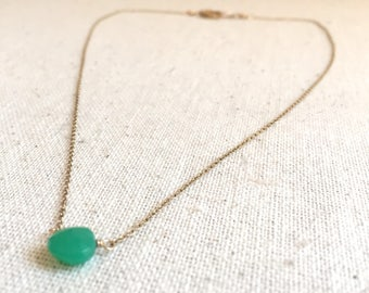 Emerald gemstone gold pendant necklace