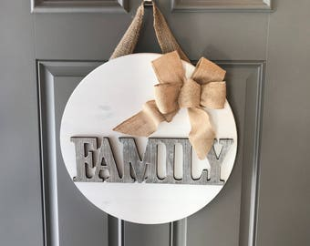 Family Door Sign, Family Door Hanger, All Year Door Hanger, Anniversary Gift, Front Door Decor, Round Sign, Wood Sign, Wood Door Hanger