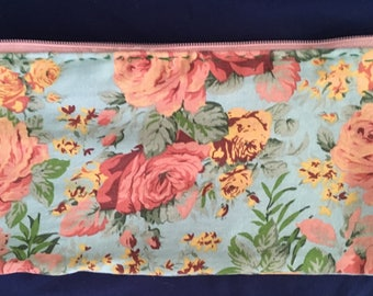 Hand-Sewn Floral Bag with Zipper / Coin Purse / Pencil Case / Cosmetic Bag
