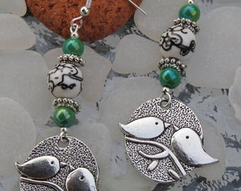 Earrings silver two birds and green beads by JosieCoccinelle