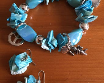 Mother-of-Pearl shell Blue Bracelet stretch w/charms & earrings,  7 inch