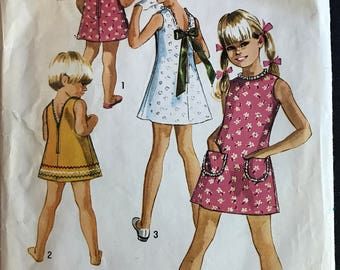 Simplicity 8816 - 1970s Girls Summer Dress with Scoop or V Open Back Options - Size 8 Chest 27