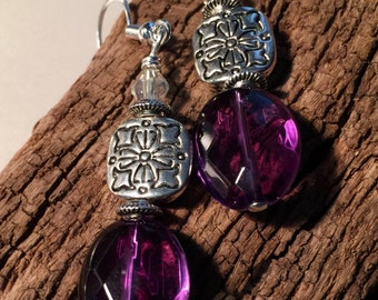 Purple Amethyst Stone Earrings. Gorgeous Amethyst dangling earrings with sterling silver ear wires