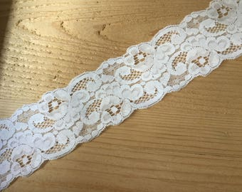 "white lace trim, 65mm or 2.5"" wide, 2 meters or 79"" long, vintage lace trim, vintage sewing, wedding table decoration"