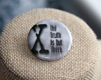 X-Files The Truth Is Out There Button