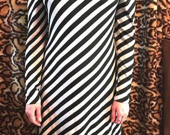 Vintage 70's/80's Black / White Diagonal Striped New Wave Punk Disco  Dress Plus Size 16/18 Stretchy Goth Punk Steampunk Disco New Wave