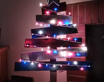 Red,White,and Blue 4th of July Flag Styled Christmas Tree