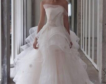 Wedding dress bridal dress White Ivory baroque wedding gown