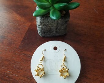 Vintage style gold-toned Crown Drop Earrings