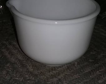 clearance sale, 6 cup mixing bowl for vintage mixer, mixing bowl, replacement mixing bowl