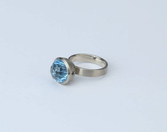 Ring Disco, White Gold 14K, Topaz Gemstone, Blue, Handmade, Solitaire Ring
