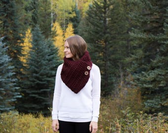 Chunky Winter Cowl Scarf With Wood Buttons Wrap / THE CARIBOU / Wine