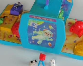 1 Vintage Pound Puppy RARE SPACE Hideaway Mini Playset - 2 Pound Puppies Dogs & 1 Pound Purry Cat Included - Travel Play Set Collectible Toy