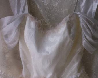 Lolita Bustier Top. Corset Cinch Back. Off Shoulder Sleeves. Mori girl romance. Boho Shabby Chic. Vintage WHite. Size S