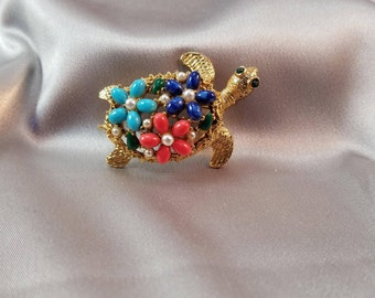 Vintage ART Multicolored Turtle Pin//Brooch//60's//Shiny Green Eyes//Faux pears//Figural//Flower Pattern//Thermoset Stones
