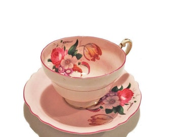 Vintage Paragon Tea Cup and Saucer, Queen Mary, Double Crown, Wide-Mouth Pink Paragon Teacup, Cabbage Rose, Fine Bone China, England, A5131
