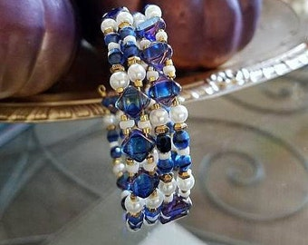 beaded bracelet, memory wire bracelet, wrap around bracelet, beaded wrap bracelet, blue bracelet, wrapped bracelet, blue bead bracelet