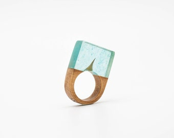 Resin and wooden ring - SIZE 5 3/4