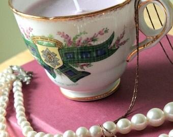 Vintage Scottish Crest Teacup Soy Candle - Lavender Scented