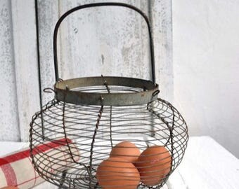 25% SALE Antique French Wire Vegetable Egg Salad Storage Basket Fil de Fer