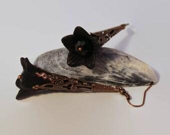 Black steampunk lucite flower earrings, goth earrings, boho chic earrings, lucite earrings, statement earrings, vintage style earrings.