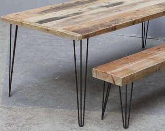 Sustainable woodwork and reclaimed furniture design von Kentholz
