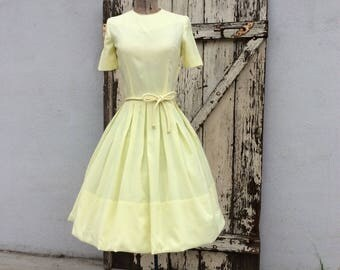 1950s Full Yellow Pleated Dress Xsmall Small 24 Waist
