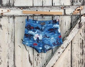 Boys 1950s Blue Hawaiian Novelty Print Polynesian Men Swim Trunks