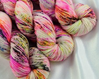 Indie Dyed Yarn, Hand Dyed Yarn, Speckled Sock Yarn, Sock Yarn, Indie Sock Yarn, Indie Sparkle Yarn, Indie Speckled Yarn, Graffiti Colorway