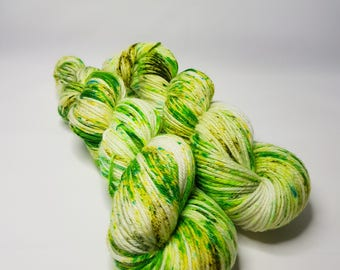 Hand dyed Sw Merino yarn, DK weight, 100g, GREENERY, green, white