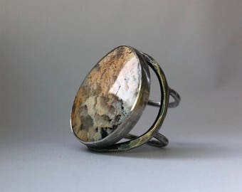 Regency Plume Agate and Black Jade Doublet Ring